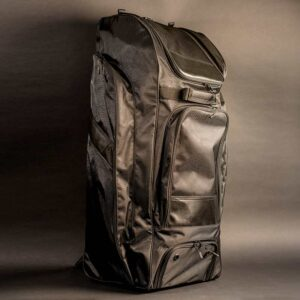 Large Kit bag with wheels and 'back pack' carry straps